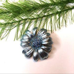 Vintage blue daisy brooch pin, floral brooch